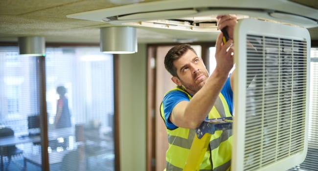 3 Questions You Should Ask Before Hiring Air Conditioning Contractors